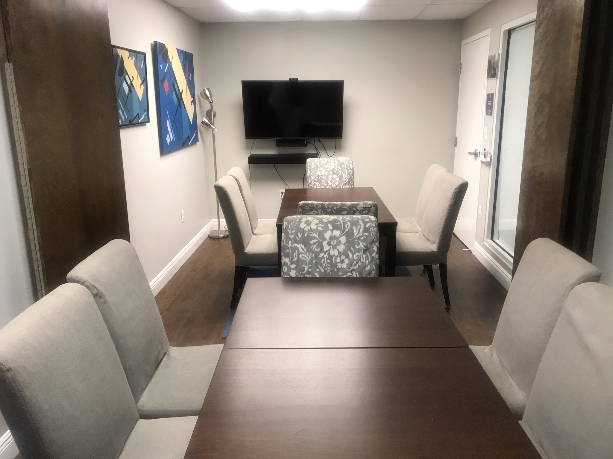 Rent Small Meeting Room Spce